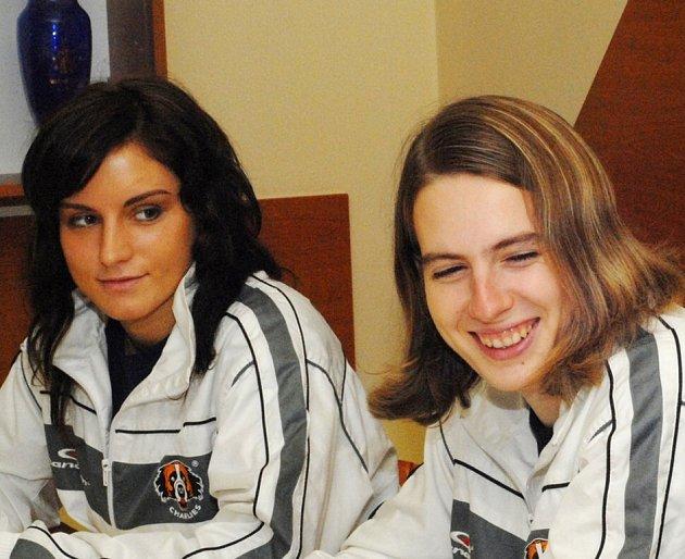 CRAZY GIRLS. Zdena Penzová a Terezie Párysová.