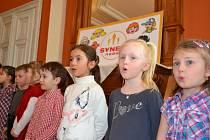 Děti potěšily seniory v domově v Českém Dubu.
