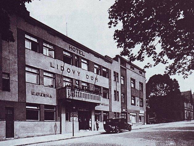 BIO LIDO stálo na místě dnešního Malého divadla.