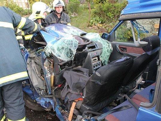Život dvěma dětem zachránily při dopravní nehodě vHorní Sytové kvalitní autosedačky.