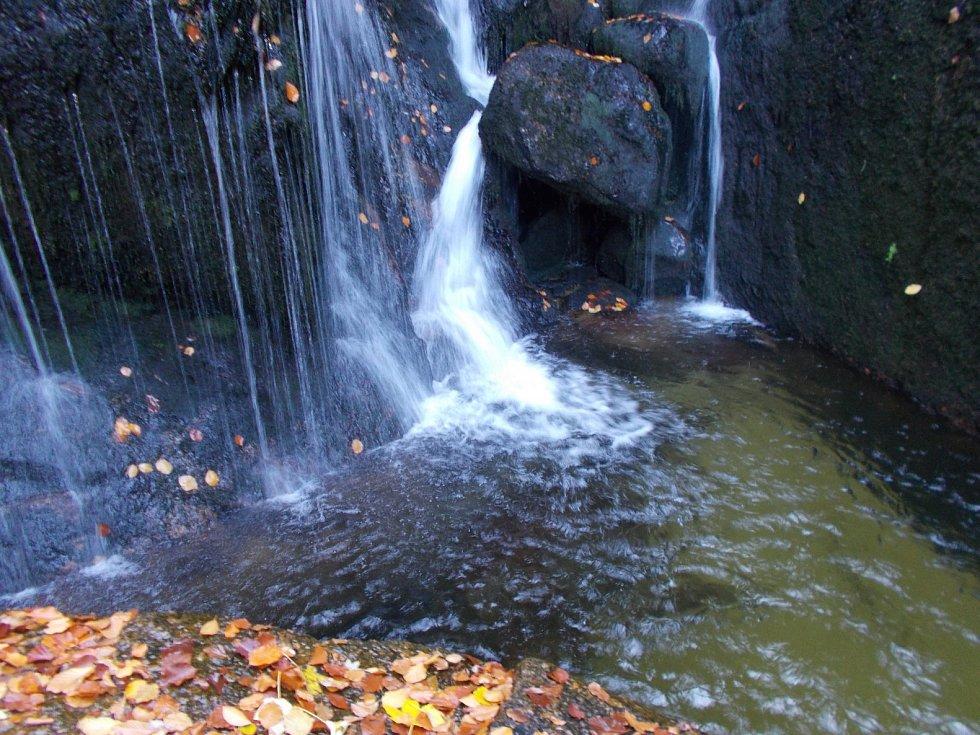 Podzimní vodopád.