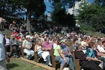 VÍKENDOVÉ DIXIELANDY V KŘIŽANECH přilákaly tisíce návštěvníků. Ti si užívali nejen příjemné hudby, ale i slunečného počasí, příjemnou obsluhu a prostě všechno, co k festivalu patří.