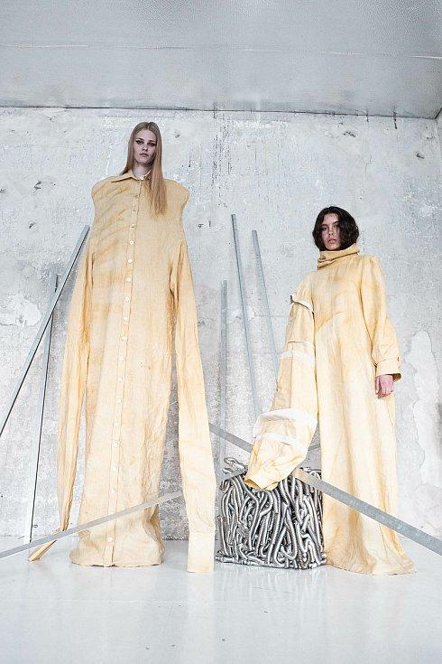 Návrhy oděvů od Michaely Šäfrové.