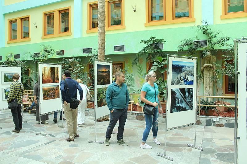 Vernisáž výstavy Zaostřeno na Jizerky.