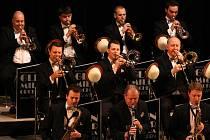 GLENN MILLER ORCHESTRA pod vedením kapelníka Wila Saldena vystoupí v Domě kultury v Liberci.