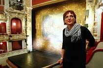 Ministryně kultury Alena Hanáková v libereckém divadle.
