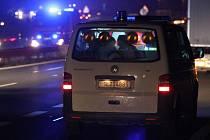 Hromadná nehoda deseti aut uzavřela rychlostní silnici z Liberce na Turnov.