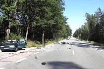 Srážka auta a motorky u odbočky na Nový Řadov.