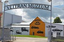 V bývalé novobystřické textilce Alma je dnes Muzeum veteránů.