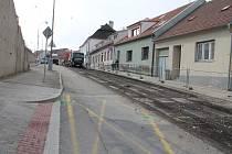 V Jindřichově Hradci probíhá 2. etapa rekonstrukce Václavské ulice. Objížďka vede okolními ulicemi.