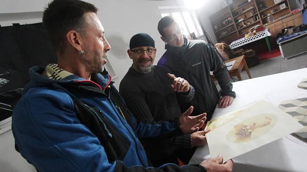 Martin Michael Stiltenn natáčí v Jindřichově Hradci film Víš, že spíš? kombinující hrané a animované scény.