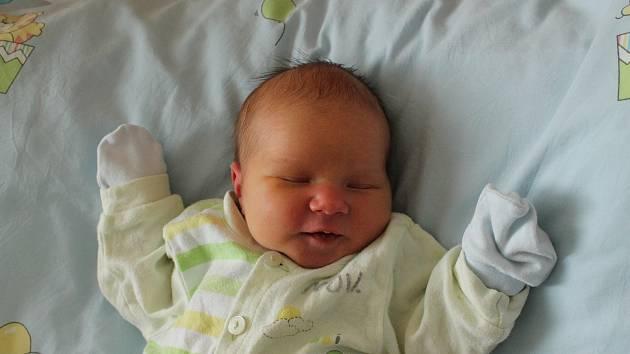 Jan Krajča, Halámky. Narodil se 22. září mamince Petře Krajčové a tatínkovi Stanislavu Krajčovi. Vážil 3450 gramů.