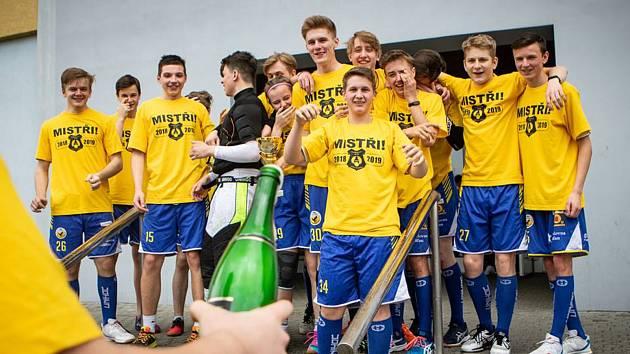 Dorostenci Slovanu J. Hradec vyhráli II. ligy bez ztráty jediného bodu.