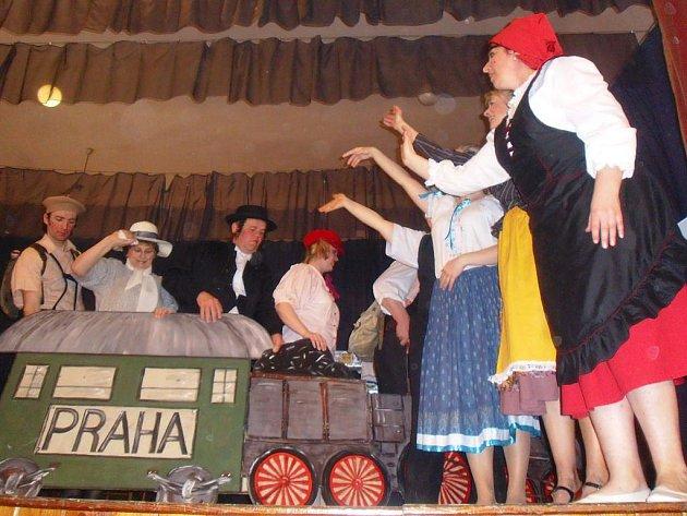Představení ochotnického divadla z Horní Cerekve v Žíteči.
