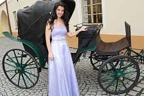 Vernisáž výstavy o Emě Destinnové v Muzeu Jindřichohradecka zahájila  sólistka Státní opery v Praze Pavlína Senić .
