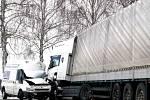 Tragická srážka dodávky s kamionem v pověstné zatáčce smrti v kopci za Otínem ve směru na Dačice z 20. 3.