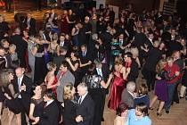 V kulturním domě Střelnice v Jindřichově Hradci se konal 25. reprezentační ples města.