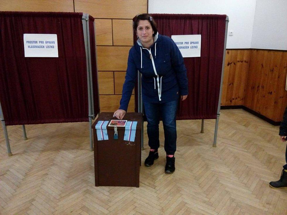 V Majdaleně byla volit i Václava Šimoušková.