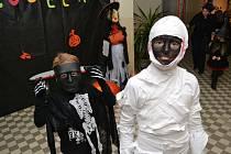 Halloween v podání žáků jindřichohradecké 5. základní školy na sídlišti Vajgar.