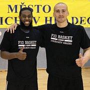 Nové posily hradeckých basketbalistů Američan De'Andre Upchurch (vlevo) a Srb Edi Sinadinovič.
