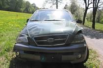 Úterní nehoda osobního auta Kia Sorento mezi Velkou Lhotou a Poldovkou na Dačicku.