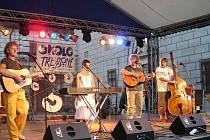Pódium na festivalu Okolo Třeboně.