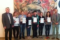 V biologické olympiádě Rudolfa Kurky se velmi dařilo dívkám z 4. základní školy v Jindřichově Hradci.