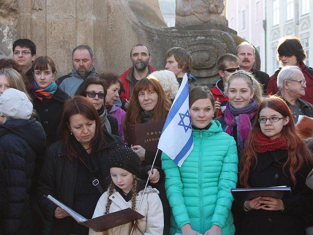 Vzpomínku obětem holocaustu v předvečer osvětimských vražd 8. března věnují hradecké pěvecké sbory už několik let.