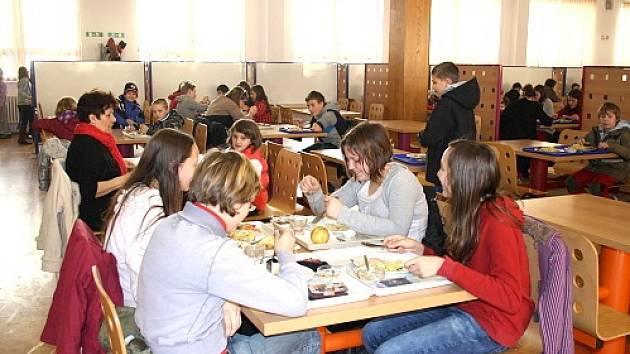 Školní jídelna v Třeboni Na Sadech.