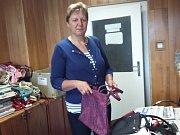 Do charitativní akce Deníku Kabelkový veletrh přispěla i Marie Míková z Hospříze.