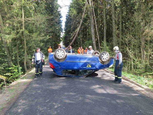 Nehoda poštovního vozu uHorního Meziříčka.