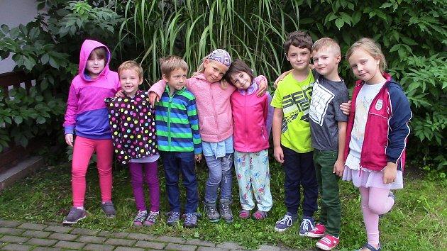 Prvňáčci ze základní školy vPlavsku.