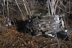 Tragická nehoda u Pleší, kde zahynuli v troskách auta tři jindřichohradečtí basketbalisté.