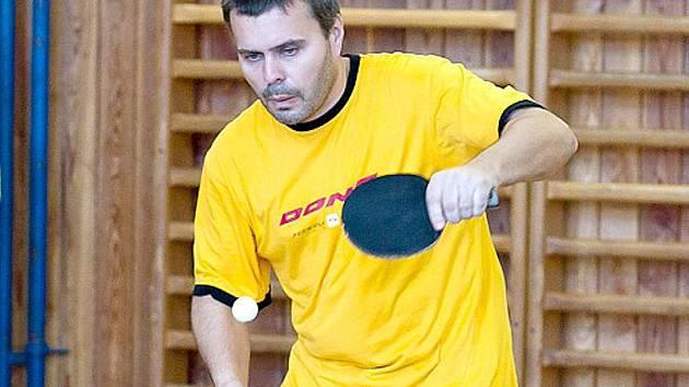 Vladimír Havel z GC Nová Bystřice se stal dvojnásobným přeborníkem okresu ve stolním tenisu.