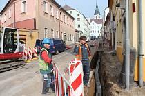 Práce v Rybniční ulici.