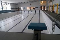 Také jindřichohradecký bazén je kvůli době koronavirové již dva měsíce uzavřený.
