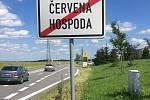 Martina Šlincová má po třetím dnu v nohách 90 kilometrů. Cestou se setkala s další spolubojovnicí, která ji ve středu vyprovodí při pokračování jejího symbolického putování na Velehrad.