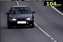 Řidiči v obci často jezdí rychleji, než je dovoleno.