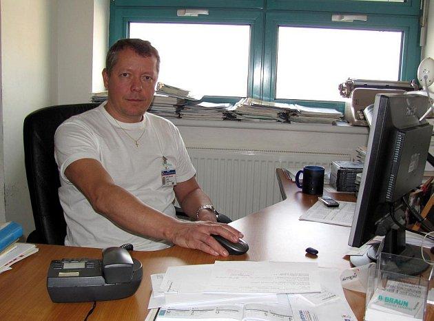 Primář operačních sálů chirurgického oddělení nemocnice v Jindřichově Hradci Michal Cihla.