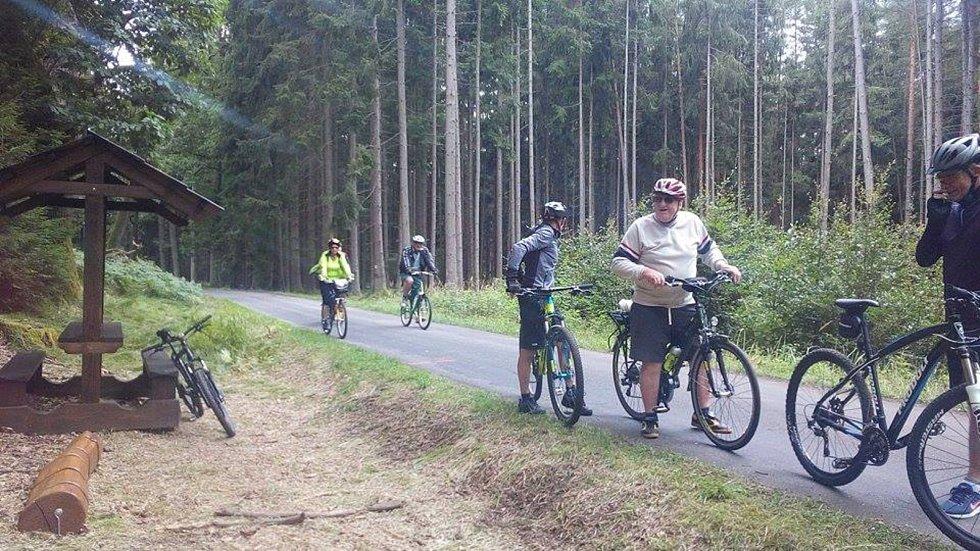 V sobotu byla slavnostně otevřená nová naučná cyklostezka z Kardašovy Řečice okolo rybníků. Teď můžete na cyklovýlet okolo Světa.