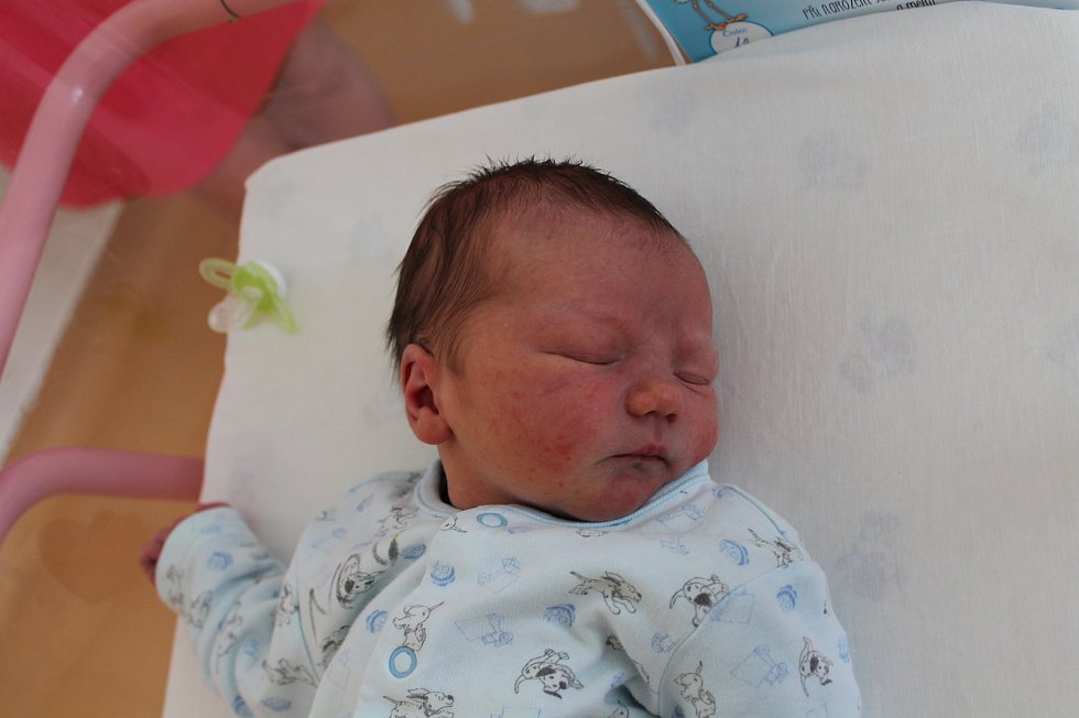 Matyáš Tesař, Český Rudolec.Narodil se 9. dubna Gabriele a Vilému Tesařovým, vážil 3 370 gramů a měřil 49 centimetrů.