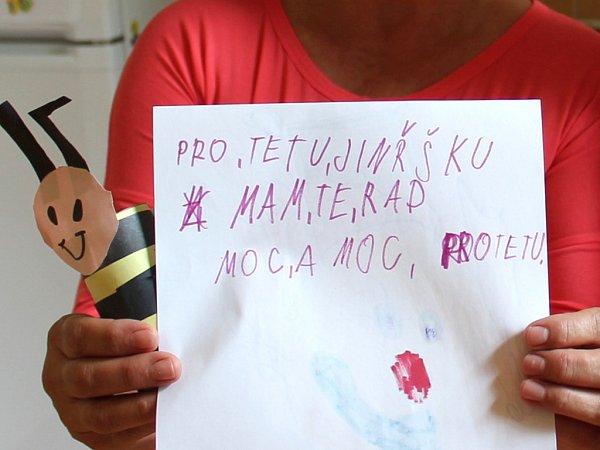 """OBRÁZKY NA ROZLOUČENOU snápisem: Pro tetu Jindřišku, mám tě moc rád""""."""