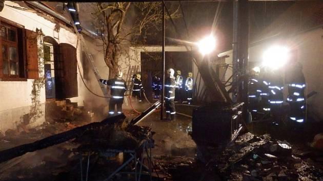 Požár ve Stříbřeci způsobil škodu za tři miliony.