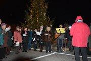 Také letos se v Kunžaku připojili k akci Deníku Česko zpívá koledy.