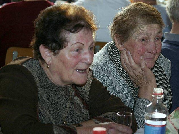 Setkání důchodců v Lásenici.