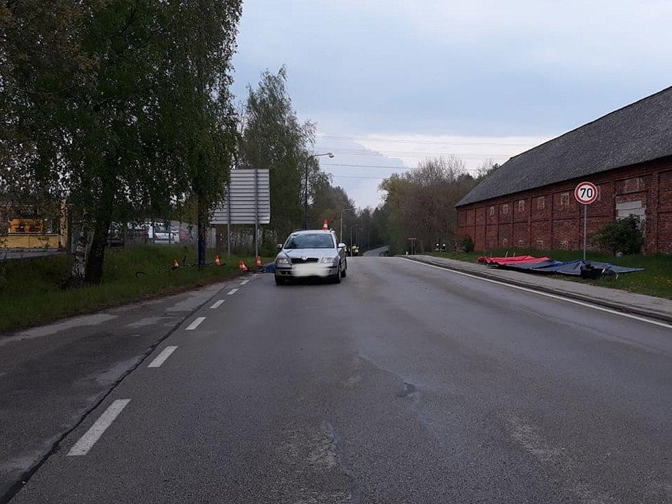 Při střetu s autem cyklista v Jindřichově Hradci u cihelny zemřel.