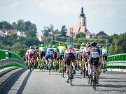 Na jihočeských silnicích najezdili účastníci závodu Okolo jižních Čech přes 600 kilometrů.