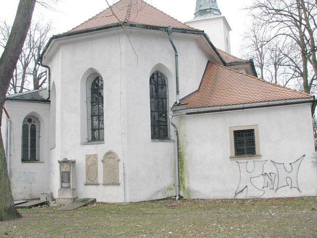 Kostel Nejsvětější trojice v Jindřichově Hradci.