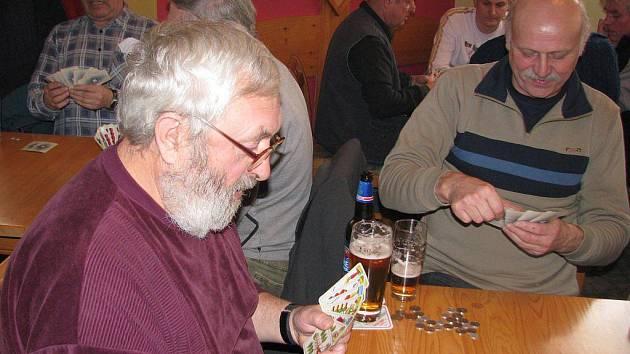V Jindřichově Hradci se konal turnaj mistrů Jihočeské ligy voleného mariáše.