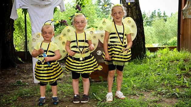 Na dětském dni v Bednárečku na děti čekaly zábavné úkoly, malování na obličej nebo včelky. Tématem totiž byla včelka Mája.